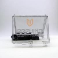 Protetor Acrílico para lâminas de barbear e pilhas pequenas com abertura para saída do Blister